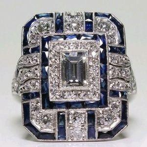 Exquisite 'sapphire and zirconia' costume ring